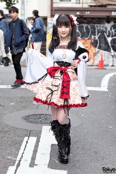 Japanese actress on the street in Harajuku wearing a kimono sleeve outfit by h.Naoto with a plush Hangry, and tall Yosuke lace-up boots. Fashion 90s, Tokyo Fashion, Harajuku Fashion, Kawaii Fashion, Lolita Fashion, Korean Fashion, Gothic Fashion, Vintage Fashion, Fashion Outfits
