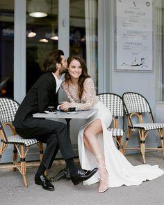Rime Arodaky y Chaumet celebran el amor - Bodas de Cuento Styling and Design Fitted Wedding Gown, Plain Wedding Dress, Lace Wedding Dress With Sleeves, Long Sleeve Wedding, Wedding Dresses, Elopement Inspiration, Wedding Photo Inspiration, Wedding Photoshoot, Wedding Shoot