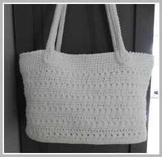 Een gratis Nederlands patroon voor een zomer handtas. Wil jij ook een leuke handtas haken voor de zomer? Lees dan snel verder op Haakinformatie.nl