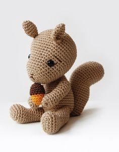 Simon the Squirrel – Amigurumi Pattern – Pepika Amigurumis