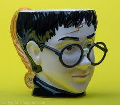 Harry Potter Collectible Mug (Copyright 2000 - Warner Bros. Harry Potter Collection, Harry Potter Mugs, Charity Shop, Super Glue, Yard Sale, Warner Bros, Things To Come