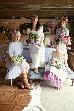 Eclectic, Hippy Inspired wedding flowers. Photography by joannamillingtonphotography.com