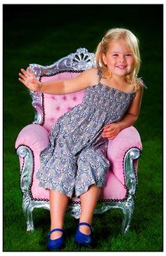Princess Amalia www.vorsten.nl voor een abonnement! www.facebook.com/... voor het laatste nieuws