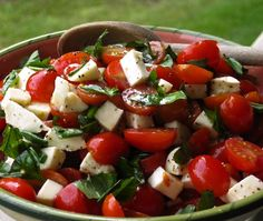 Caprese Salad with Grape Tomatoes, Mozzarella & Basil - La Bella Vita Cucina