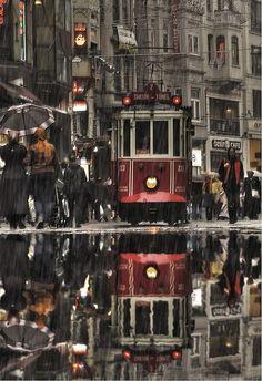 Taksim'de yağmurlu bir gün...