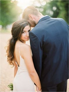 The Best French Wedding Photography - French Wedding Style Wedding Couple Poses, Pre Wedding Photoshoot, Wedding Shoot, Wedding Couples, Unique Wedding Poses, Wedding Posing, Wedding Bride, Wedding Ceremony, Wedding Photography Poses
