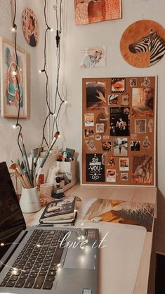 Study Room Decor, Cute Room Decor, Room Ideas Bedroom, Bedroom Decor, Study Rooms, Study Desk, Uni Room, Aesthetic Room Decor, Cozy Room