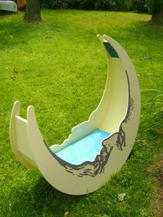 Moon cradle...would be great to make for a friend having a baby, trumps anything on any gift registry