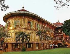 Vimanmek Palace: This splendid three-storey mansion was brought from Ko Sichang in Chon Buri to the compound of Dusit Palace. Known as the world's largest golden teak