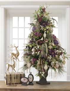 Shelley B Home and Holiday Decorator Christmas tree set. One set offers the ornaments and sprays used to create the tree shown in this photo. Easy one click shopping and FREE Shipping. Click on the photo for details.