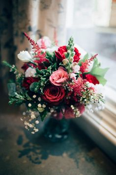 Wedding bouquet | Surrey wedding photographer | wedding at Pembroke Lodge