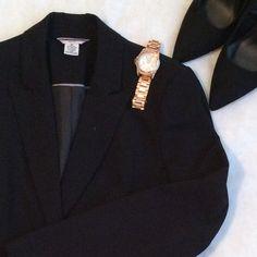 BLACK PADDED SHOULDER BLAZER!!! Black one button padded shoulder blazer Liz Claiborne Jackets & Coats Blazers