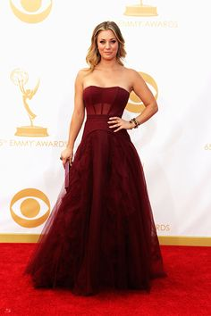 Kaley Cuoco - Vera Wang Red Carpet Ready, Red Carpet Looks, Vera Wang Dress, Strapless Gown, Red Carpet Fashion, Beautiful Gowns, Gorgeous Dress, Nice Dresses, Dresses 2013