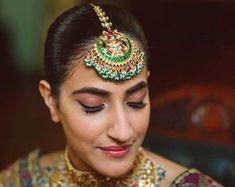 Sabyasachi Tikka Maang TikkaKundan Jewelry | Etsy Maang Tikka Kundan, Pakistani Jewelry, Indian Jewelry Sets, Indian Earrings, Choker Necklaces, Sabyasachi, Beautiful Gift Boxes, Photo Jewelry, Statement Jewelry