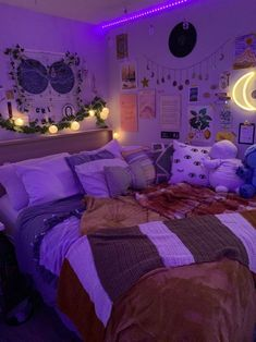 Bedroom Dormitory Apartment Lighting Purple Violet Little Girls Room Apartment Bedroom Dormitory Lighting Purple Violet Chill Room, Cozy Room, Teen Room Decor, Room Ideas Bedroom, Bedroom Inspo, Diy Bedroom, Tumblr Room Decor, Design Bedroom, Neon Room