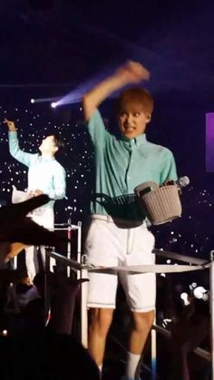 Pinning for 2 reasons. I will laugh at his face every time I see this. Those man thighs. Meme Faces, Funny Faces, K Pop, Xiuchen, Kpop Memes, Exo Xiumin, Cartoon Jokes, Kim Min, Reaction Pictures