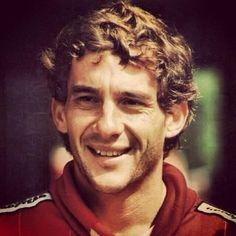 This is how I like to remember Ayrton- smiling! :)  #Senna #AlwaysInOurHearts pic.twitter.com/zK1JBya2l3