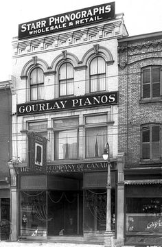 """The Starr Company of Canada Phonograph store, Wholesale & Retail, 265 Dundas St., London, """"Merry Christmas / Happy New Year"""", late December-early January, 1919."""