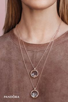 Our beautiful floating locket is finally available in PANDORA Rose, a unique blush-hued metal blend. Wear it on its own or decorate it with your favourite petite elements for a fun, feminine touch.
