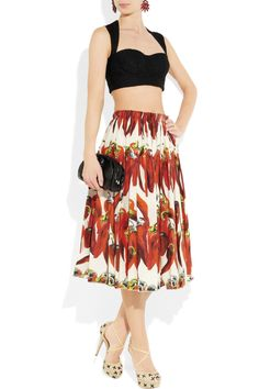 Dolce & Gabbana Chili Pepper Print Cotton Poplin Skirt - obsessed with this look! Vegetable Prints, Cuba, Eclectic Style, Printed Skirts, Well Dressed, Poplin, Printed Cotton, Pepper, Midi Skirt