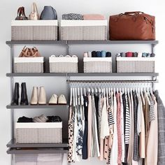 organisation maison pour un armoire ou commode des vetements et chaussures ranges Armoire, Ranger, Closet, Home Decor, Packing Cubes, Hanging Clothes, Cupboard, Dresser, Organisation
