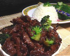 Ultra Easy Vegan (or not) Spicy Mongolian Beef with Broccoli - Vegan Asian Vegan Meat Recipe, Vegan Beef, Vegan Foods, Vegan Dishes, Vegan Vegetarian, Vegetarian Recipes, Healthy Recipes, Pescatarian Recipes, Healthy Breakfasts
