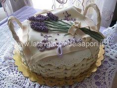 torta decorata con cestino di fiori - Cerca con Google