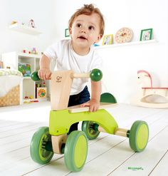 Triciclo in Legno SCOOTER cm 52x32x38 per bambini. Primi Passi. Età 12 Mesi. Hape