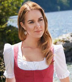 Dirndlbluse Johanna von Susanne Spatt Gold Bullion, Medieval Dress, Royal Fashion, Traditional Dresses, Redheads, Euro, Ethnic, Highlights, Hobbies