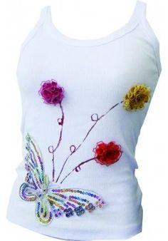 Customizar una camiseta Freehand Machine Embroidery, Hand Embroidery Videos, Embroidery Works, Rose Embroidery, Shirt Makeover, Flower Embroidery Designs, Dress Clothes For Women, Shirt Refashion, Diy Clothing