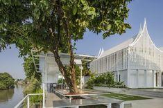 大城50年老宅改建飯店Busaba Ayutthaya!原來泰國的Style真的那麼潮? | GQ瀟灑男人網 Theme Hotel, Hostel, Outdoor Furniture, Outdoor Decor, Studio, Photography, Home Decor, Photograph, Decoration Home