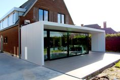 Realisation by www.be Aluminium cladding Powdercoating Aluminium gevelbekl. Realisation by www.be Aluminium cladding Powdercoating Aluminium gevelbekleding Kvarch architecten. House Extension Design, Extension Designs, Minimal House Design, Holland House, Small Bungalow, Aluminium Cladding, Outdoor Buildings, Inside Design, House Extensions