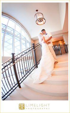 Hyatt Regency Clearwater Beach, Bride, Groom, Kiss, Wedding Photography, Limelight Photography, www.stepintothelimelight.com