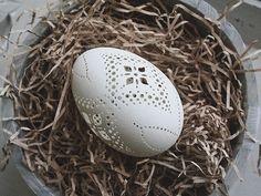 Betty & Violet ~ Message in a Teacup Easter Egg Dye, Easter Egg Crafts, Easter Bunny, Easter Festival, Carved Eggs, Egg Art, Easter Holidays, Egg Decorating, Vintage Easter