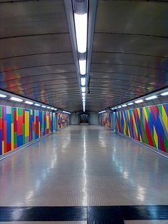 Stazione Metro Napoli - Materdei - Installazione di Sol Le Witt