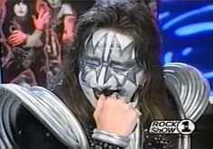 The legendary laugh of Ace Frehley