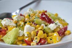 Das Rezept für den Feta-Mais-Salat schmeckt sowohl als Hauptgericht als auch als Beilage zu gegrilltem Fleisch.