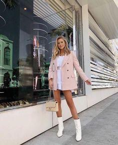 Rosa Blazer + Kniehohe weiße Stiefel Source by frauenschuhideensxyz and dress outfit Preppy Outfits, Girly Outfits, Classy Outfits, Chic Outfits, Fall Outfits, Fashion Outfits, Fashion Trends, Blazer Fashion, Pink Blazer Outfits