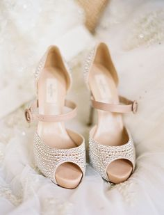 Old Hollywood Glam Dallas Wedding - Danyel + Darnell photographyhttp://benqphotography.com #bridalshoes #wedding #bride