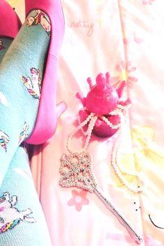 swearingmoms on March 19 can find Crown jewels and more on our website.swearingmoms on March 19 2020 Best Bath Bombs, Natural Bath Bombs, Jewelry Bath Bombs, Halloween Bath Bombs, Kids Jewelry Box, Kids Storage, Storage Ideas, Princess Jewelry, Jewellery Storage