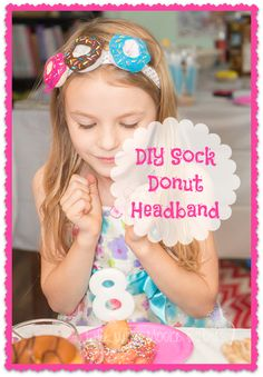 Adorable pretend donuts made from socks! A quick and easy craft that doubles as a cute decoration or a fun toy for kids. Made a cute donut headband too! Diy Donuts, Cute Donuts, Doughnuts, Donut Costume, Cupcake Costume, Donut Crazy, Quick And Easy Crafts, Easy Diy, Donut Birthday Parties
