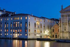 Hotel Palazzo Giovanelli e Gran Canal Venezia With panoramic views over the Grand Canal, Hotel Palazzo Giovanelli dates back to the 16th century. Saint Mark's Square is just 2 stops away on the water bus.
