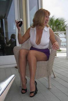 Mimi high heels milf