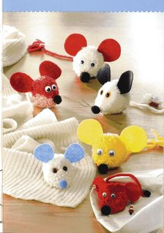 Foto: Things To Make With Yarn, How To Make A Pom Pom, Easter Crafts, Christmas Crafts, Crafts To Make, Crafts For Kids, Pipe Cleaner Animals, Pom Pom Animals, Craft Projects