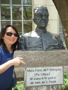 O busto do Monsenhor Francisco de Paula Rodrigues, o Padre Chico, que se formou no Seminário.