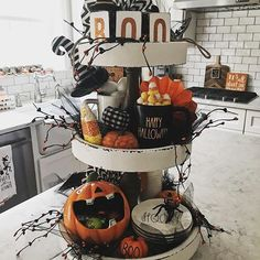 Come sit for a spell and have some brew! Sharing my fun halloween styled tray for hosted by Roz… Halloween Kitchen, Halloween Home Decor, Halloween Fashion, Halloween Boo, Halloween House, Holidays Halloween, Halloween Themes, Halloween Decorations, Country Halloween