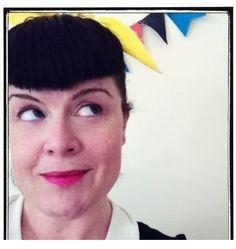 A Great Example Of A Linkedin Headshot That Gives You A Sense Of Who She Is Au Linkedin Com In Rebeccalloydjones En