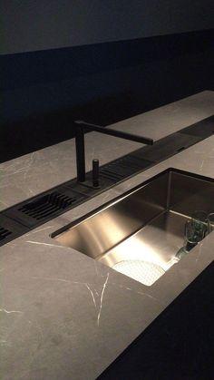 Modern Kitchen Design, Kitchen Pantry Design, Modern Kitchen Cabinets, Interior Design Kitchen, Kitchen Sinks, Carpentry Projects, Modern Luxury, Design Trends, Sweet