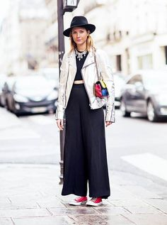 What Wear - Street Style Make sure your metallic jacket doesn't compete with the rest of your look by pairing it with minimal separates. Image via: Stockholm Street Style High Waisted Black Trousers, Black Pants, Metallic Jacket, Stockholm Street Style, Black Crop Tops, Look Chic, Moto Jacket, Leather Jacket, What To Wear