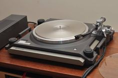 Kenwood L-07D turntable -   One of the ultimate, absolute and perfect turntable. Ever made!